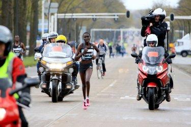 Lempus wint Enschede Marathon ondanks foute afslag