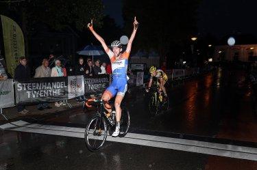 Wim Kleiman in blakende vorm wint Ronde van Markelo