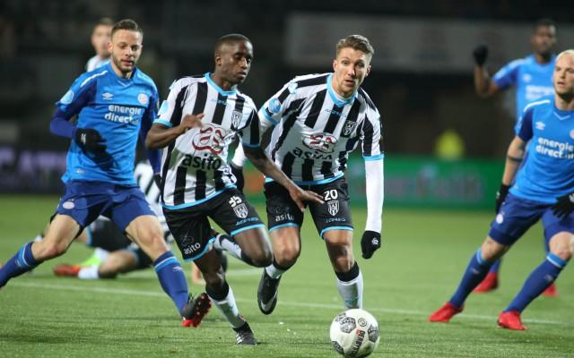 Heracles verliest in de laatste seconde met 1-2 van PSV